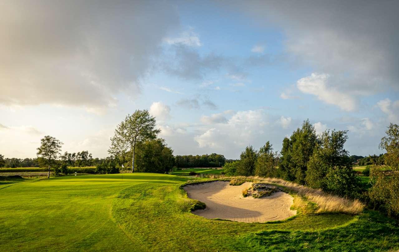 Sonnenuntergang auf dem Golfplatz in Lilienthal